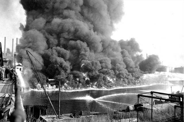 Cuyahoga River Fire 1952